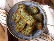 Приготвяне на рецепта Лесен спаначен хляб с яйца и брашно